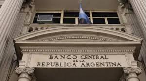 Las inconsistencias cambiarias y monetarias del BCRA – Alan Cibils en El Economista