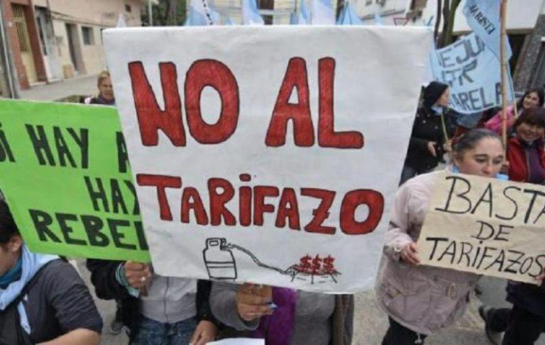 Un cuarto del salario de los argentinos se destina a pagar servicios
