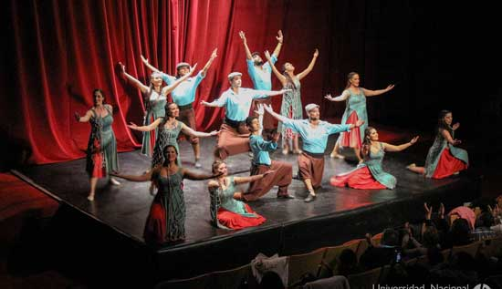 Muestra Coreográfica del Elenco de Danzas Folklóricas UNGS