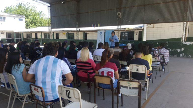 La UNGS en la Escuela de Educación Media Nº 12 Moreno