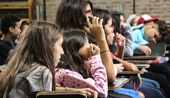 """Charla abierta """"Enseñar hoy en la escuela secundaria: una mirada desde la investigación en las aulas"""""""