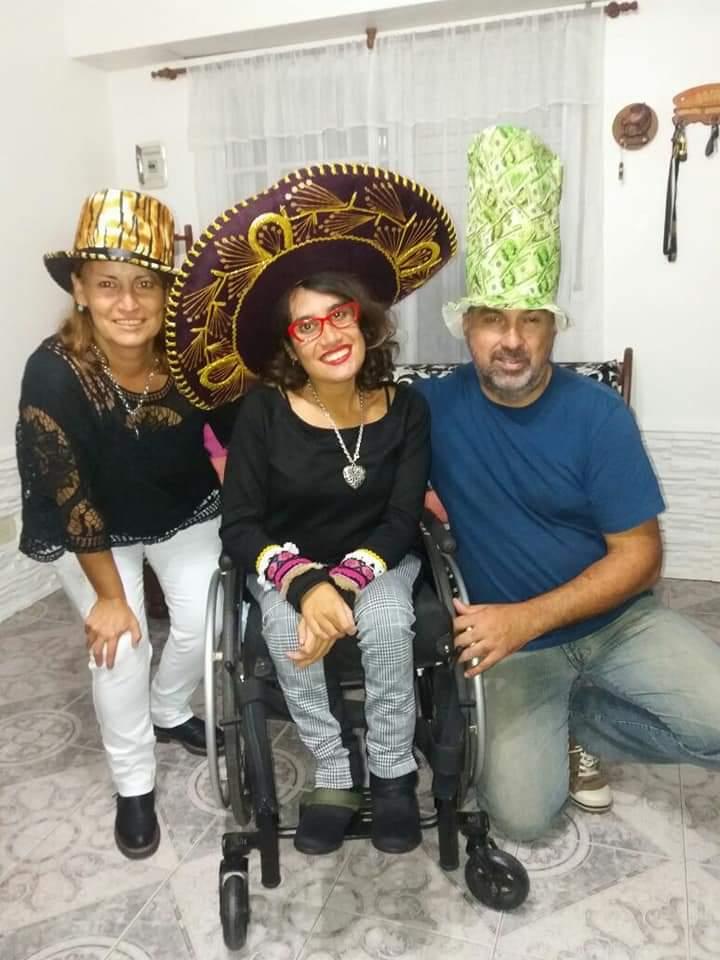 Detrás de los despidos, hay familias. Caso de Micaela Nogal estudiante discapacitada de la UNGS.