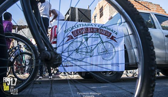 """10° Bicicleteada y Caminata """"La vuelta al Barr10"""" de EnAcción"""