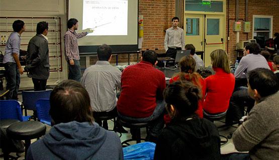 Presentación de prototipos elaborados por estudiantes de Ingeniería Industrial