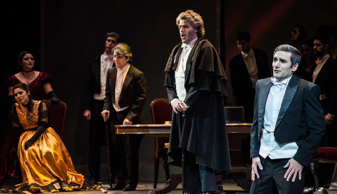 Reseña de La traviata por Hagen Nader, estudiante del Profesorado en Lengua y Literatura