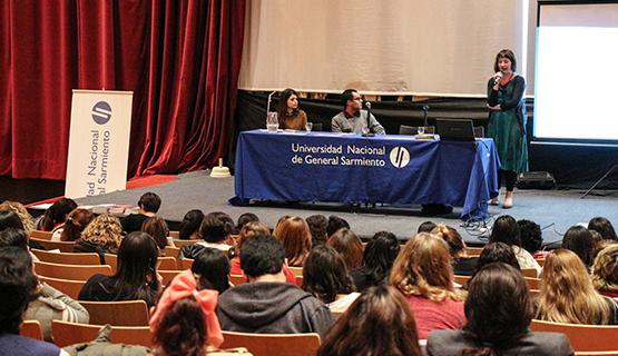 Reseña del Ciclo Enseñar Lengua y Literatura por Fátima Argüello, estudiante del Profesorado en Lengua y Literatura
