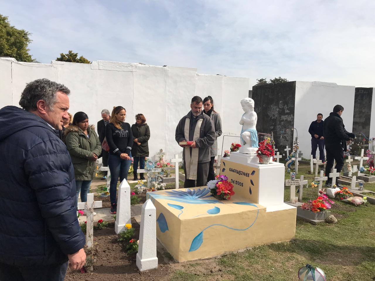 San Miguel realizó un cenizario de embarazos no concluidos en el cementerio local