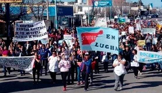 Solidaridad con las y los docentes de Chubut
