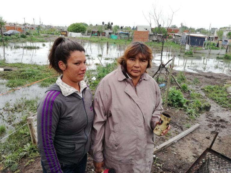 José C Paz: vecinos y vecinas continúan inundados