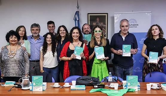 Se presentó en el Congreso el libro Legalización del aborto en la Argentina