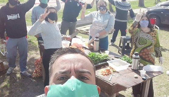 Videos y posteos de TikTok para frenar al coronavirus en el GBA | Barrios por la Salud en Clarín