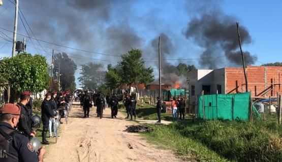 60 familias desalojadas de un predio en Escobar