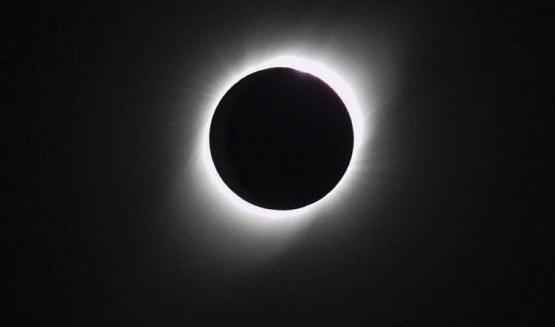 Astrocharlas: Los eclipses y cómo mirarlos